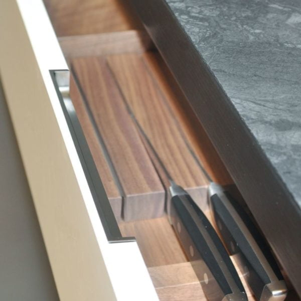 RECESSED BACK INSET HANDLE
