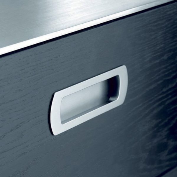 LUX INSET HANDLE