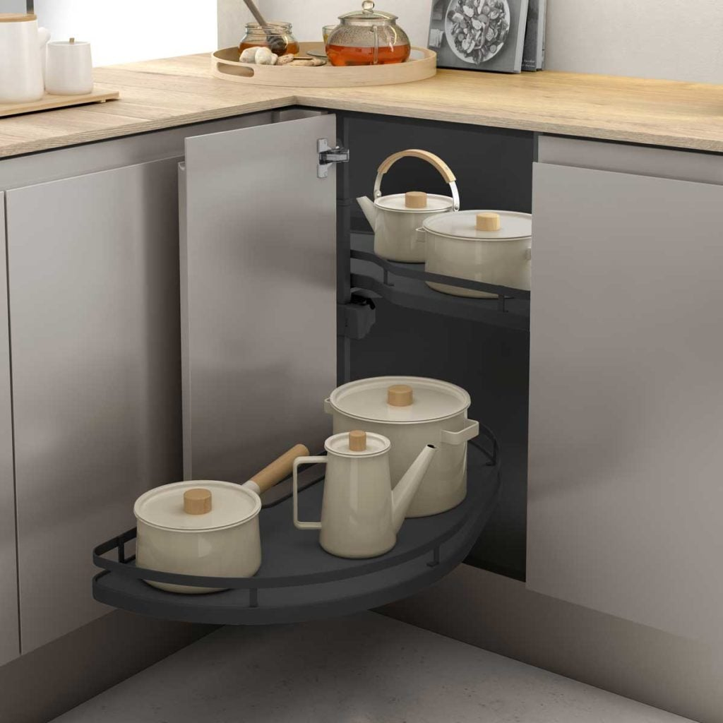 Pull-out corner baskets